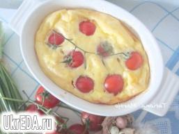 Сирний омлет з томатами