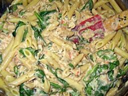 Тальятелле з куркою та шпинатом
