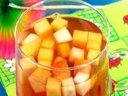 Яблучно-мандариновий крюшон