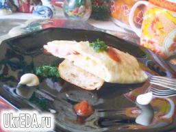 Яєчний млинець з начинкою.