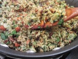 Розсипчастий рис з овочами