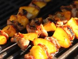 Шашлик зі свинини з ананасами