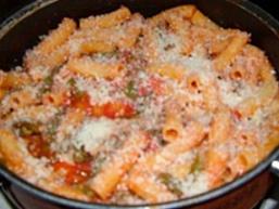 Спагетті з квасолею і соусом