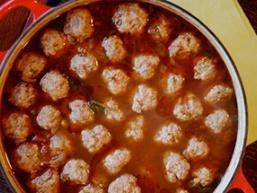 Томатний суп з фрикадельками